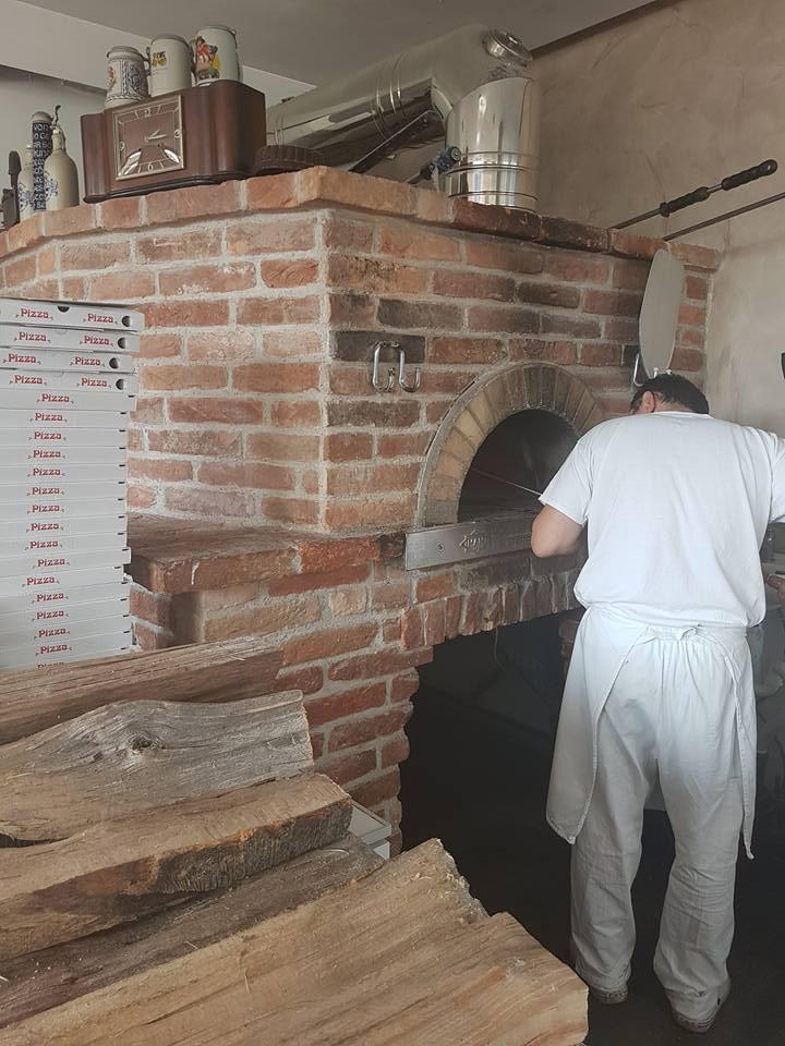 Holzbackofen Renes Restaurant und Pizza